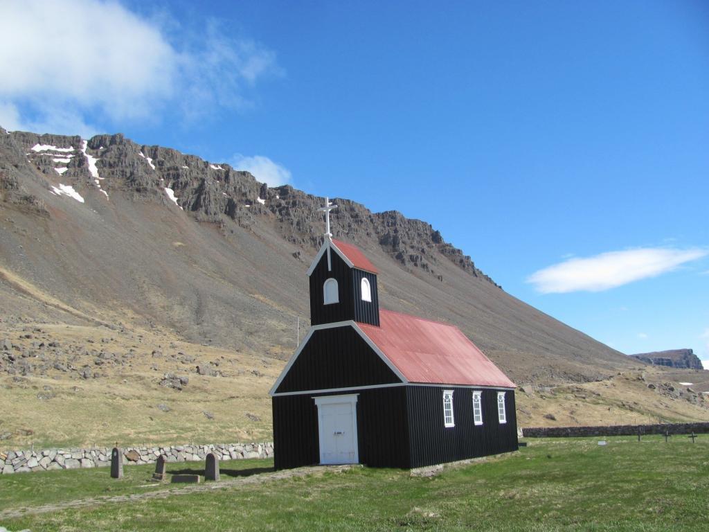 Church at Raudisandur beach.