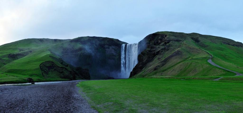 Skogarfoss with ash