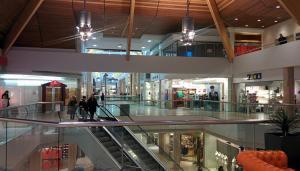 No Kringlan shopping mall isn´t closed.