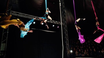Sirkus Ísland - Circus in Iceland.
