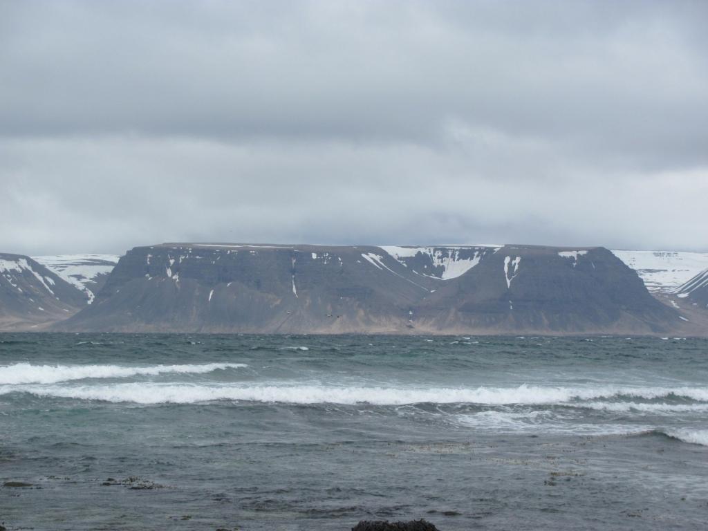 The beach at Haenuvik.