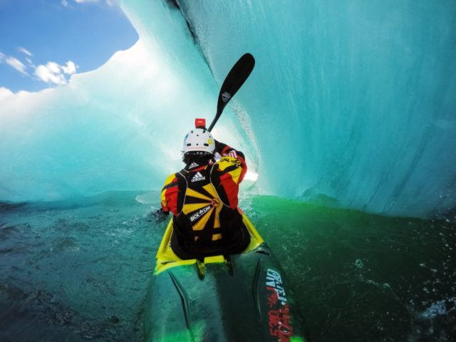 Kayaking in Iceland´s glacial lagoon.